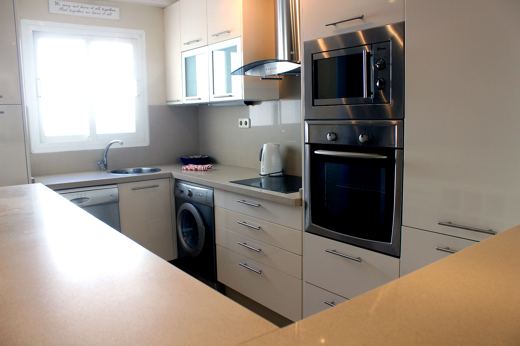 Holiday apartments Estepona Fully fitted kitchen