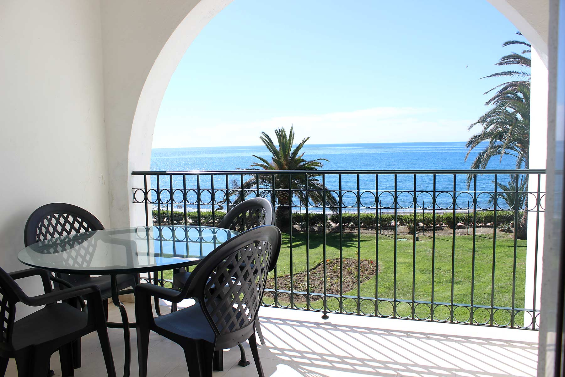 Holiday apartments Estepona Sea views